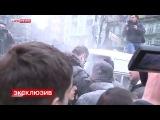 Беспорядки в Киеве. Кличко обдали из огнетушителя